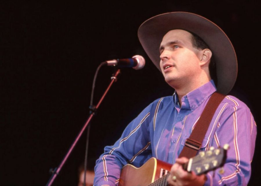 1988%3A+Garth+Brooks+is+discovered+at+the+Bluebird+Cafe
