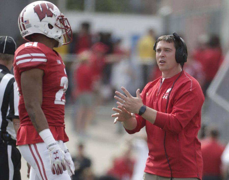 Jim Leonhard stayed with Badgers for players, to settle unfinished business
