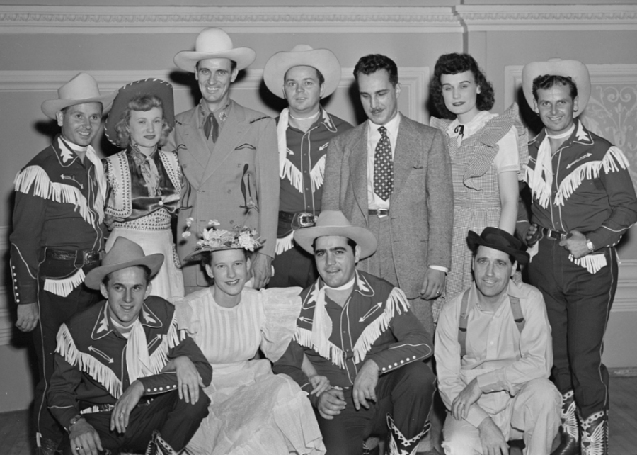 1940%3A+Minnie+Pearl+joins+the+Grand+Ole+Opry