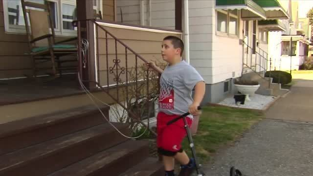 Quick-thinking brother saves sister's life, using what he learned from a TV show