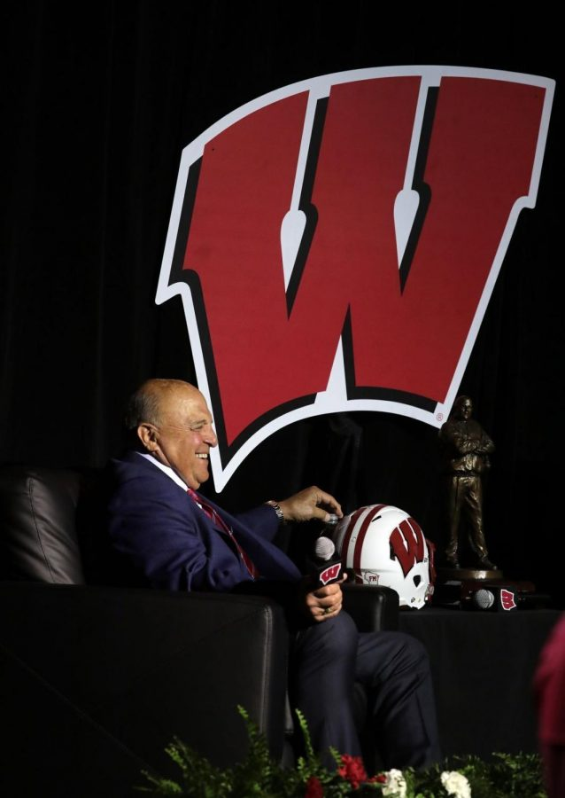 UW+athletic+director+Barry+Alvarez+enjoys+a+light+moment+during+an+event+marking+his+retirement+announcement+at+the+Kohl+Center+on+Tuesday.