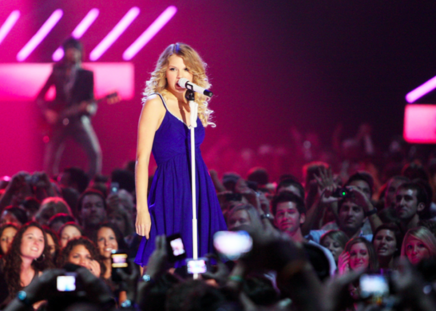 %233.+%27Taylor+Swift%27+by+Taylor+Swift
