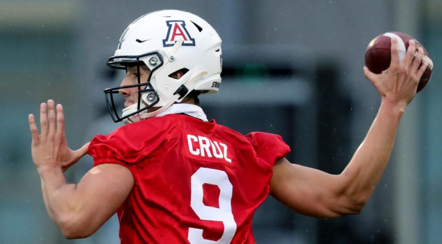 Quarterback+Gunner+Cruz+cocks+to+throw+during+drills+on+the+first+day+of+spring+practice.