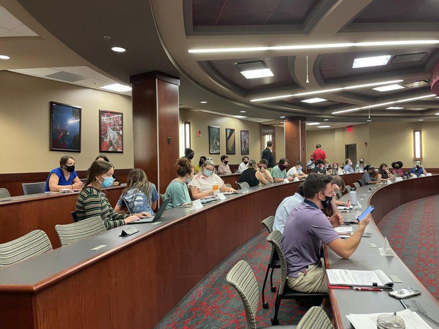 Rep. Patti Minter speaks at SGA meeting